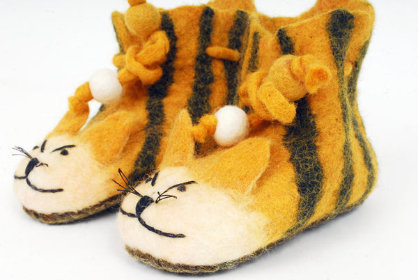 Tiger slippers with ankle ties