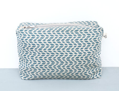 Lara Gormach Wash Bag