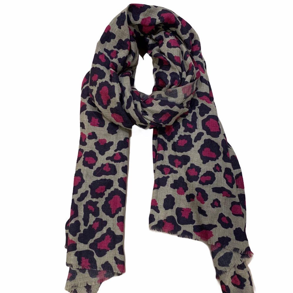 Load image into Gallery viewer, Pink 100% Cashmere Scarf -  Luna Boutiques