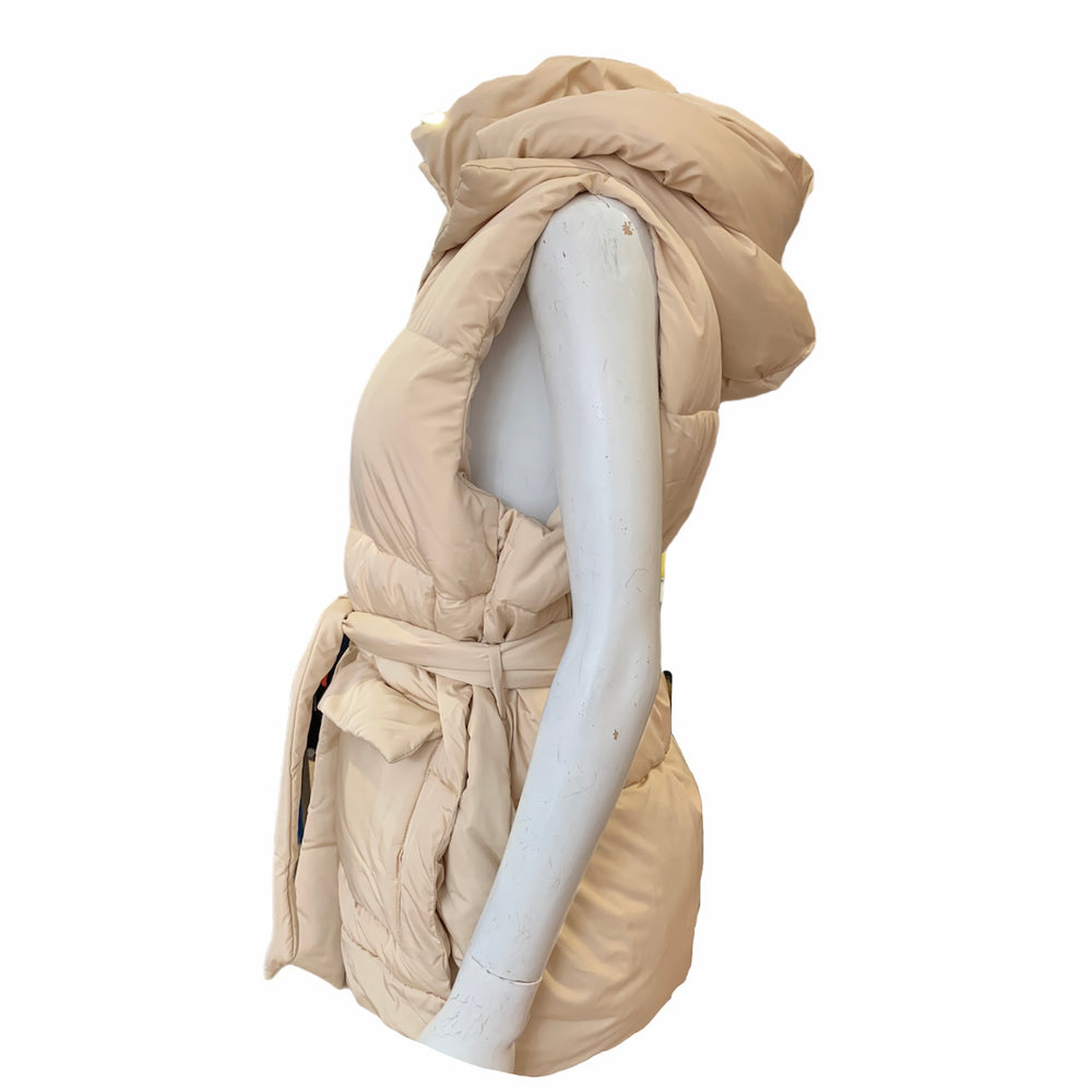 Load image into Gallery viewer, Plush Detachable Hood Puffer Gilet -  Luna Boutiques