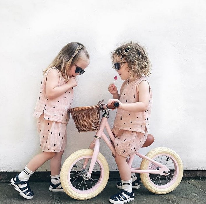banwood balance bike. girls balance bike. pink balance bike