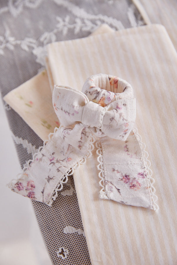 Scalloped Bow Napkin Ring