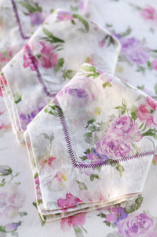 Purple and white floral print table cloth and napkin set