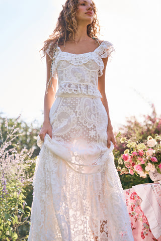 White lace maxi skirt with train