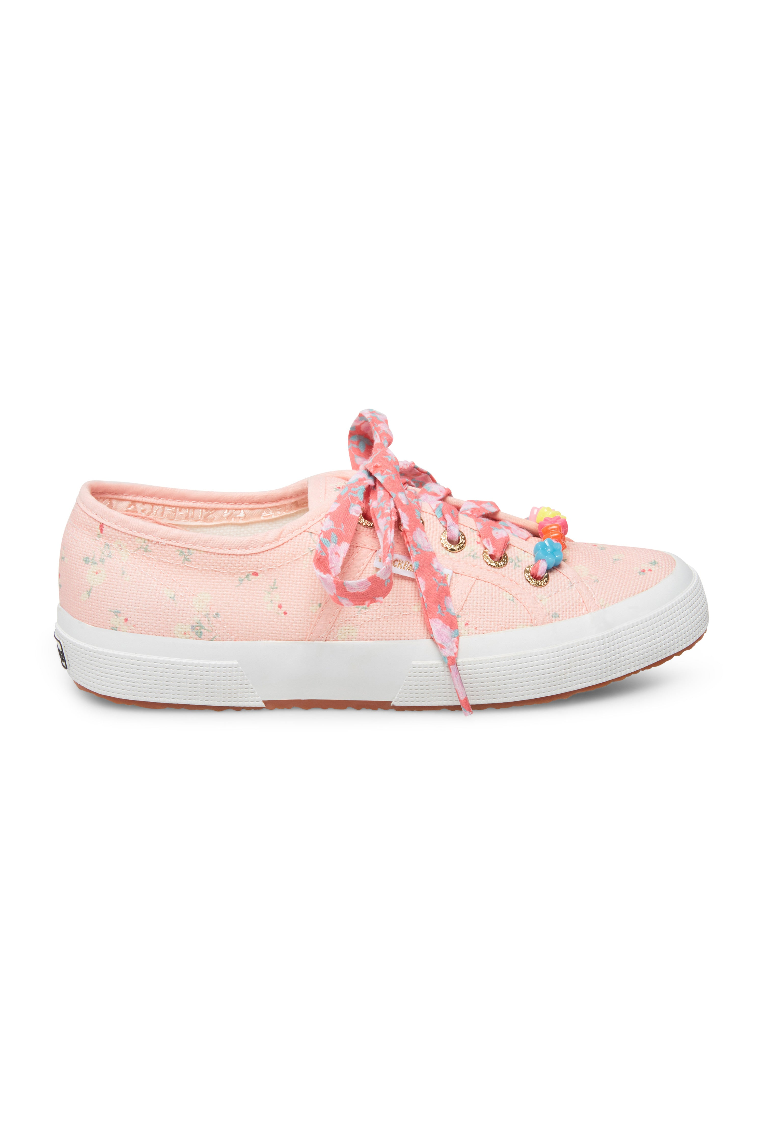 classic sneakers womens