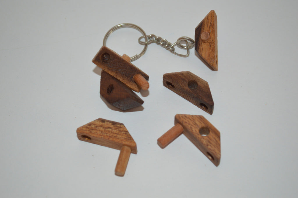 Nails Keychain - Wooden Puzzle