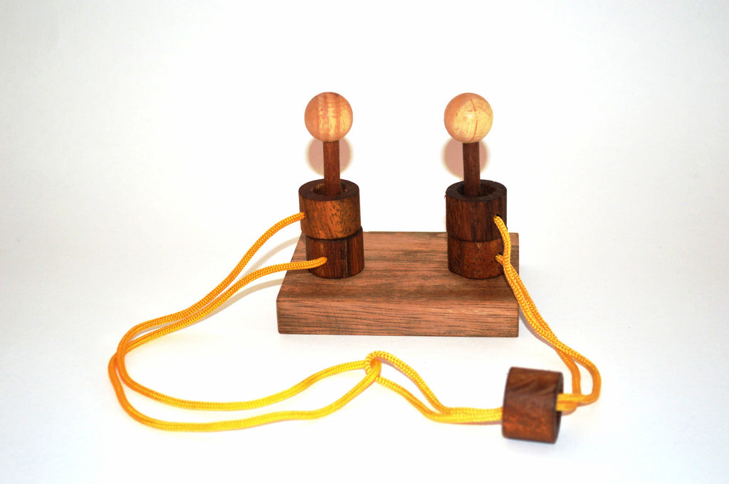 Gordian Couple - String Puzzle