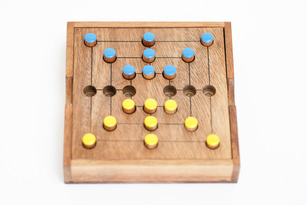 Strategy/9 Men's Wooden Game