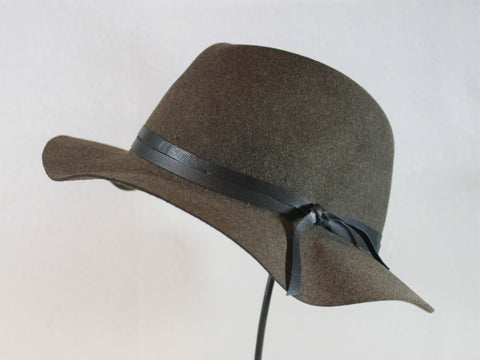 lightweight travel friendly wool fedora with leather trim