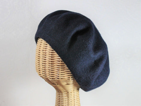 classic wool beret ~ Dominique