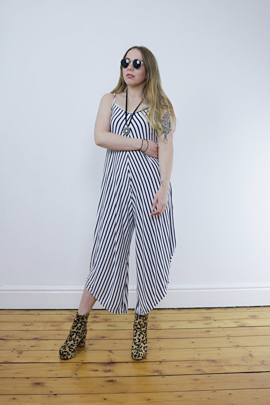 Vintage 90's Black & White Striped Jumpsuit - Tigers Eye | Boho & Grunge Vintage Clothing & T-shirts for Women (1)