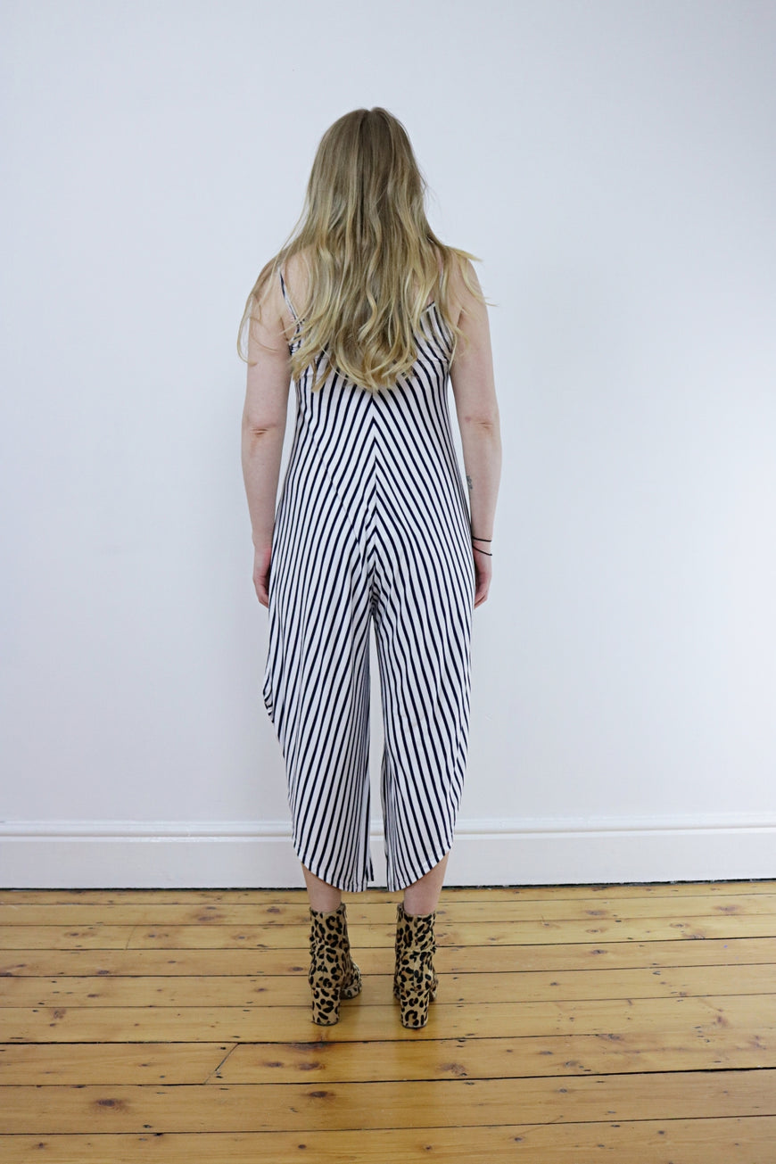 Vintage 90's Black & White Striped Jumpsuit - Tigers Eye | Boho & Grunge Vintage Clothing & T-shirts for Women (4)