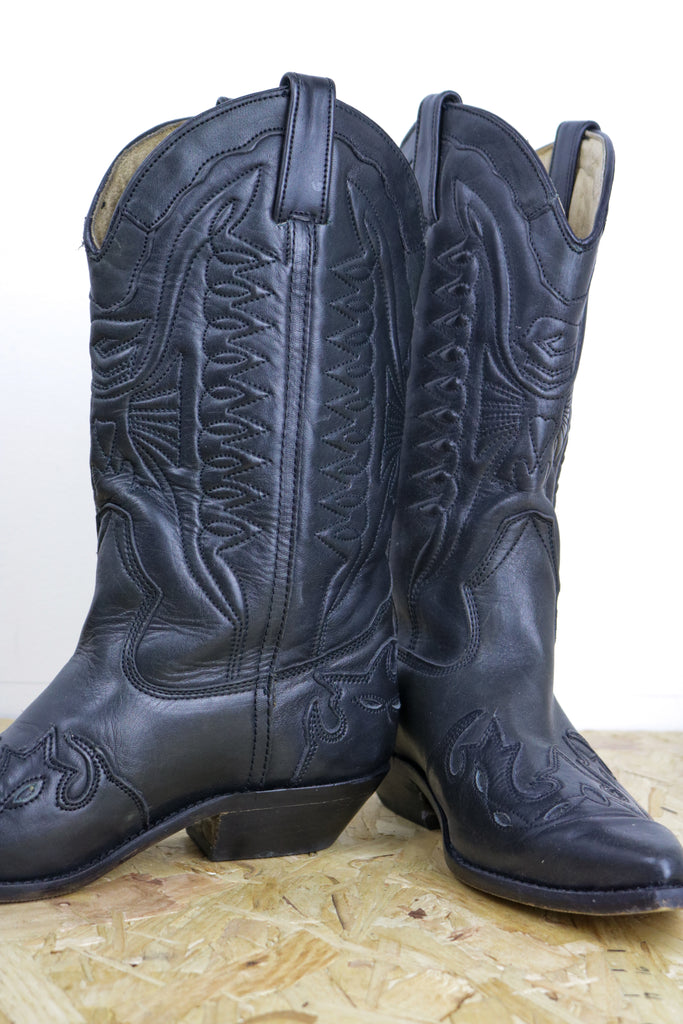 Vintage Ravel Black Western Embroidered Calf Cowboy Boots - Tigers Eye | Boho & Grunge Vintage Clothing & T-shirts for Women