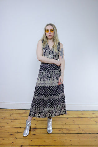 Vintage 90's Paisley V-Neck Boho Brown Maxi Dress - Tigers Eye | Boho & Grunge Vintage Clothing & T-shirts for Women