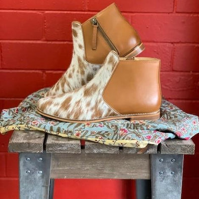 TAN JERSEY HAIRON FLAT BOOT