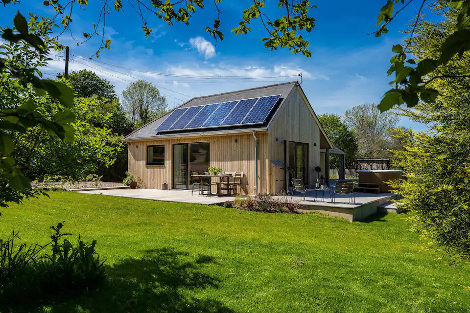Eco retreats - Sustainable holiday accommodation - Sunnybrook in the sunshine with doors open