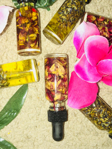 Yoni Oil (Lipgloss for the other lips) $22
