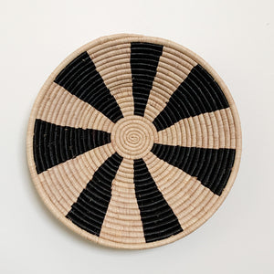 "18"" Black and Natural Round Basket"