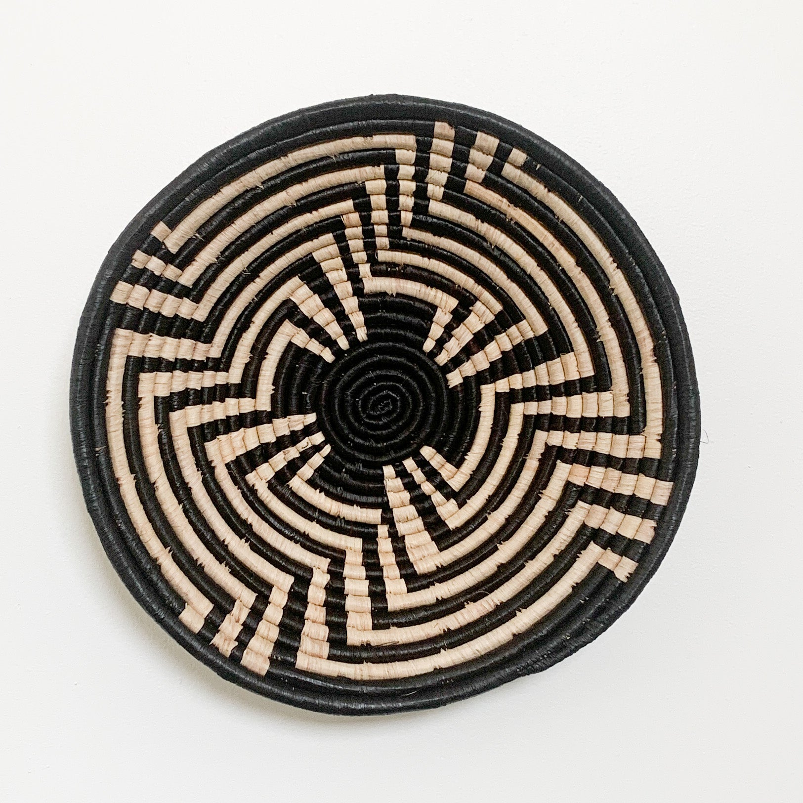 "16"" Black and Natural Round Basket"