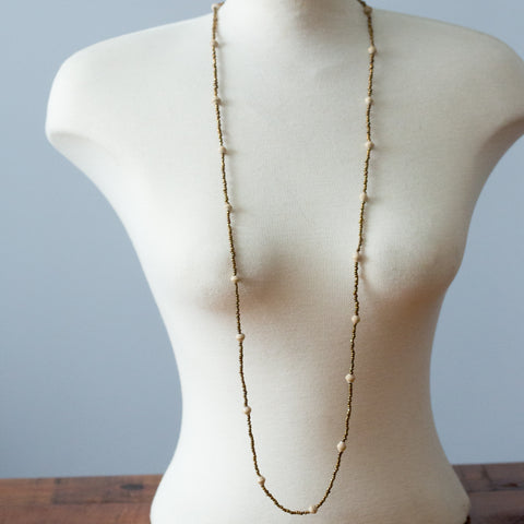 Single Strand Gold and Cream Necklace