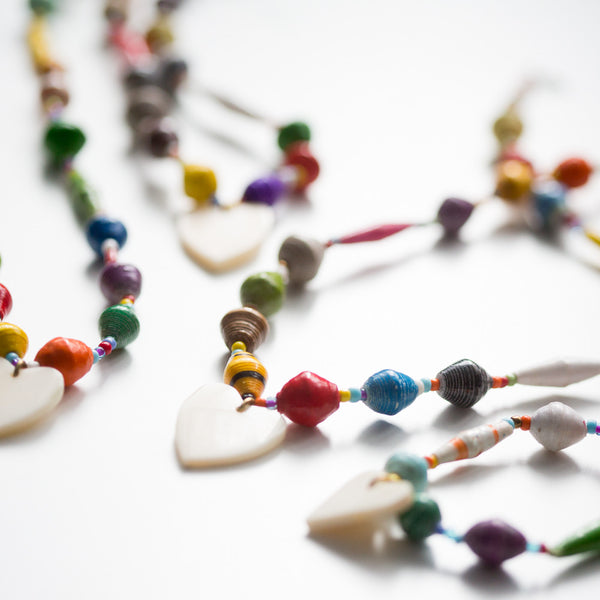 KIDS paper bead necklace with heart