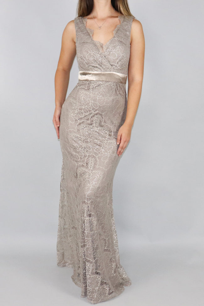 Leanna Chantilly Lace V-Neck Maxi