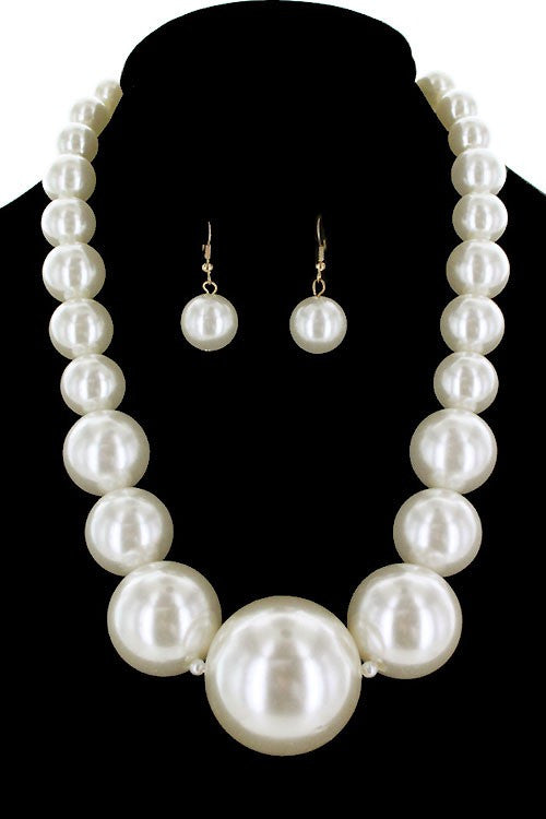 Gia Cream Pearl Necklace & Earring Set