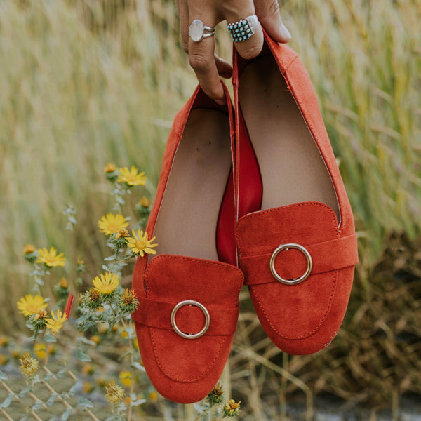 Fashion Metal Wild Round Flat Shoes