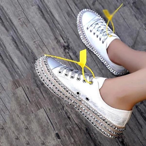 Casual Rivet Pure Color Lace-Up Sneakers
