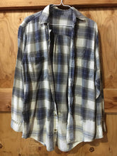 Load image into Gallery viewer, Blue & White hand dipped vintage flannel Medium