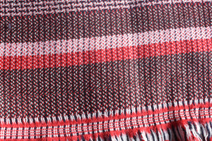 Micro Houndstooth Make For Interesting Viewing - Wool