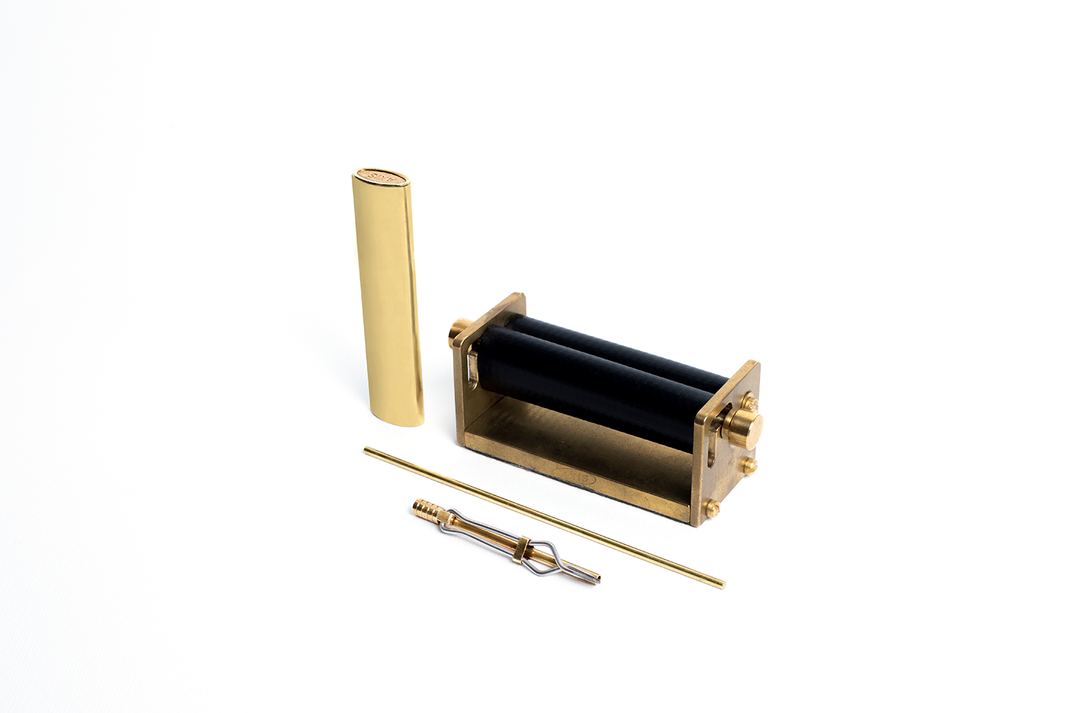 AXIS Smoking Products are elegant and sophisticated smoking accessories for smoking enthusiasts and connoisseurs. Our products are made from 100% Polished Brass and Tempered Stainless Steel.