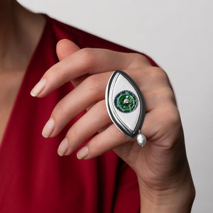 Green Eye Statement Ring with Pearl