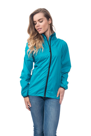 "alt=""mac in a sac classic waterproof jacket"""