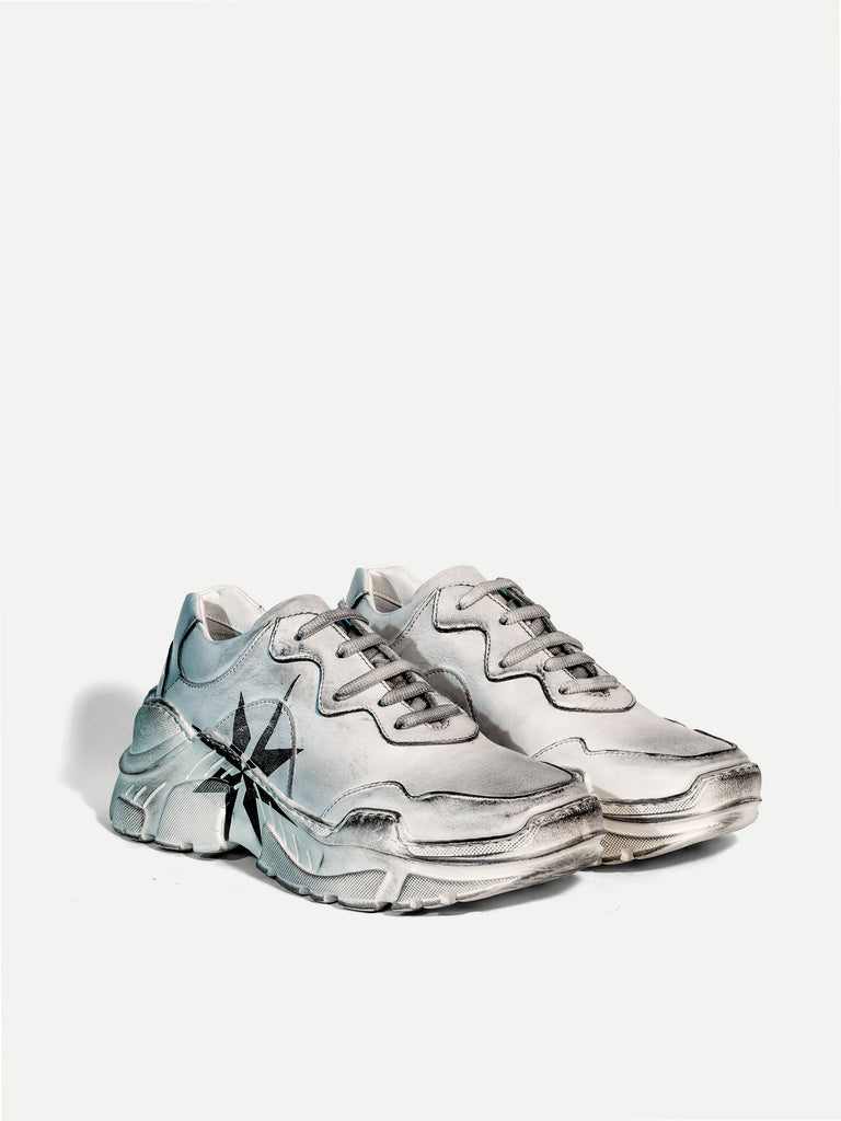 ADVENTURE SNEAKER IN DISTRESSED WHITE - Woman