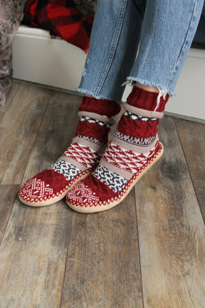 Burgundy Pattern Knit Slipper
