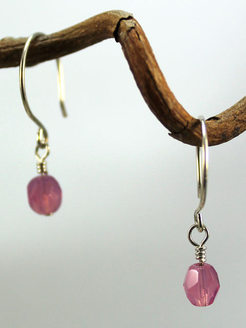 E055 Pink crystal drop earrings