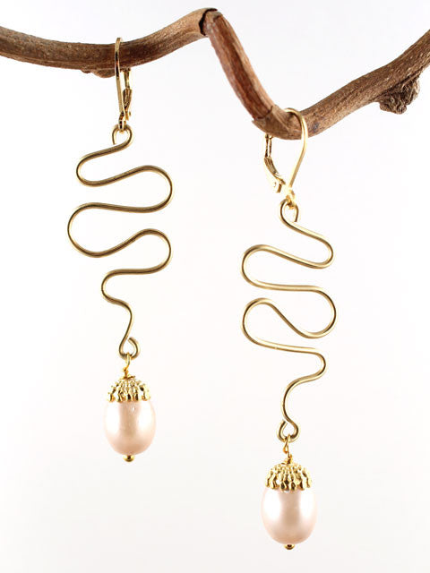 Wire squiggle with pink pearl drop earrings