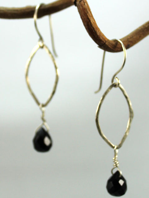 E150C Hammered leaf bead dangle earrings