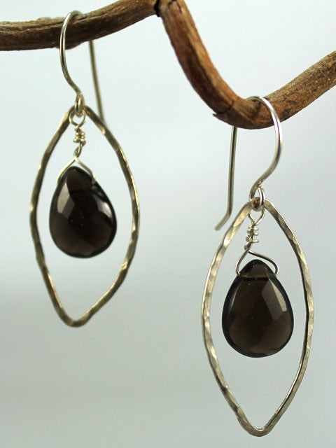 E150D Hammered leaf bead dangle earrings
