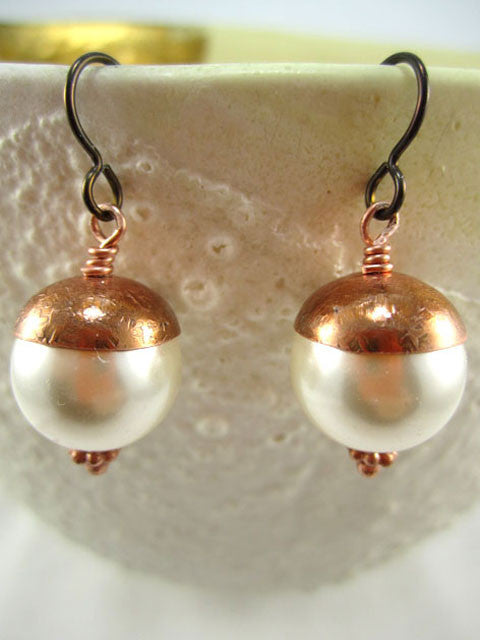 White crystal pearl copper cap earrings