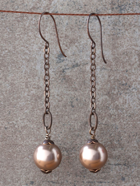 Mauve pearl brass chain earrings