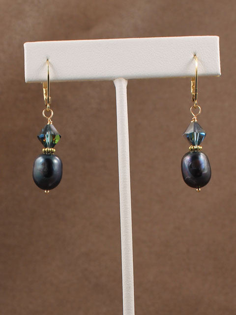 E263 Blue/black pearls with crystal accent earrings