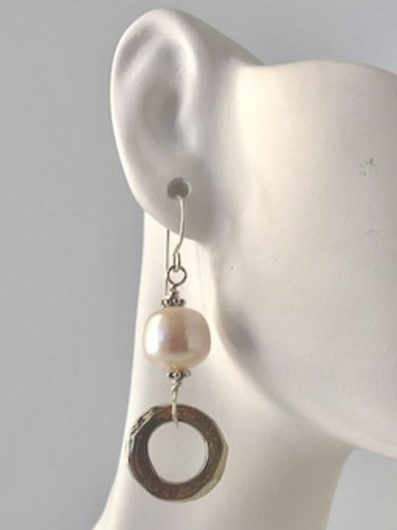 White pearl and bronze circle earrings