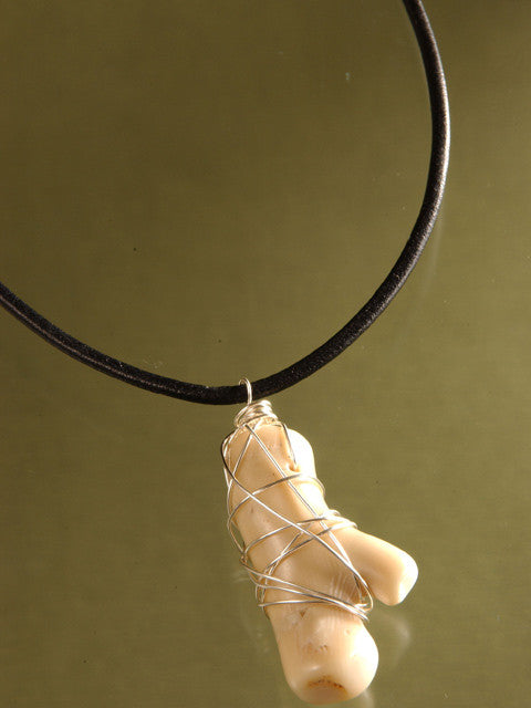 N080L Coral branch wire wrapped necklace