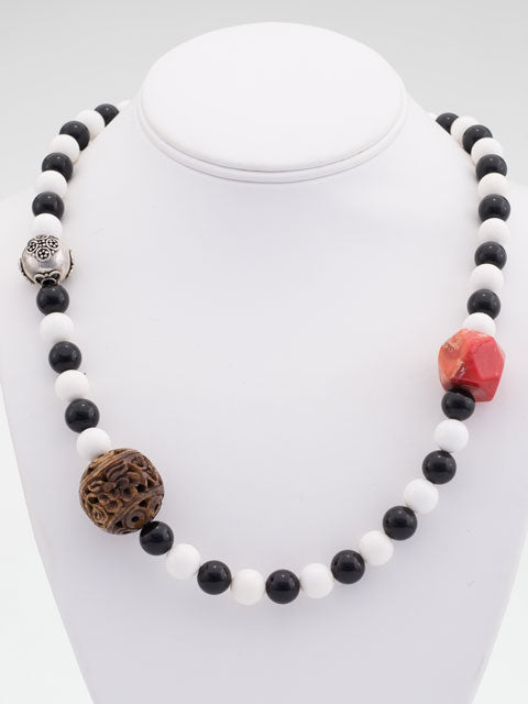 Black and white agate three focal bead necklace