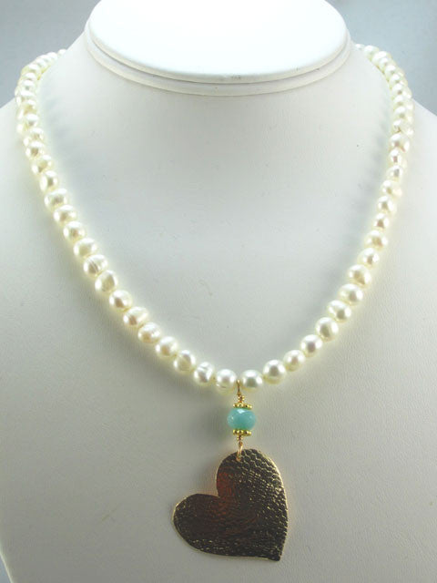 White pearls with heart pendant necklace