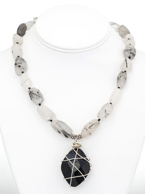 quartz and onyx pendant necklace