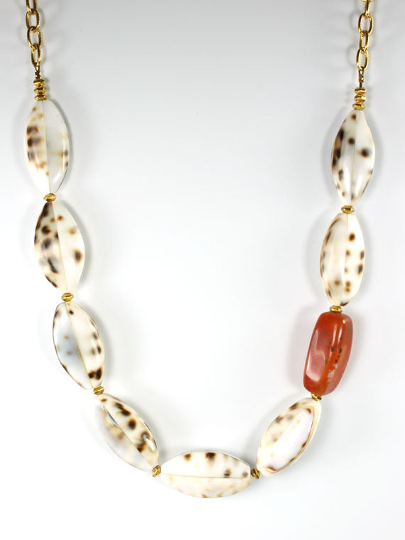 Spotted shell carnelian accent necklace