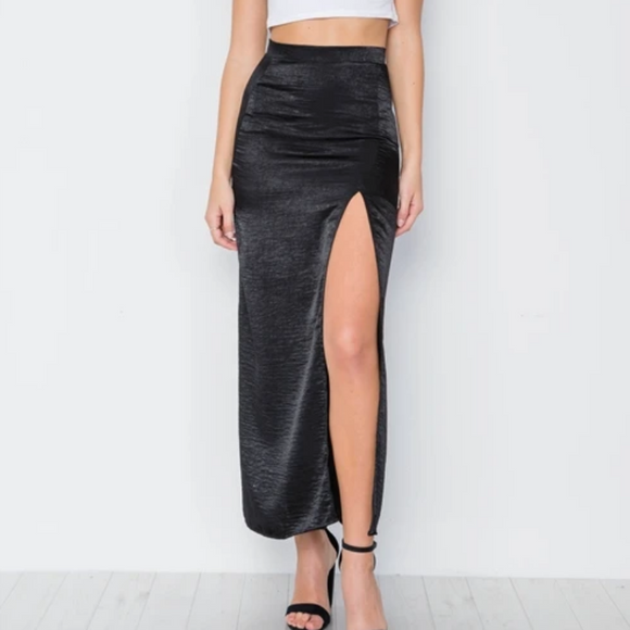 ANNIE—Black Bodycon Maxi Skirt